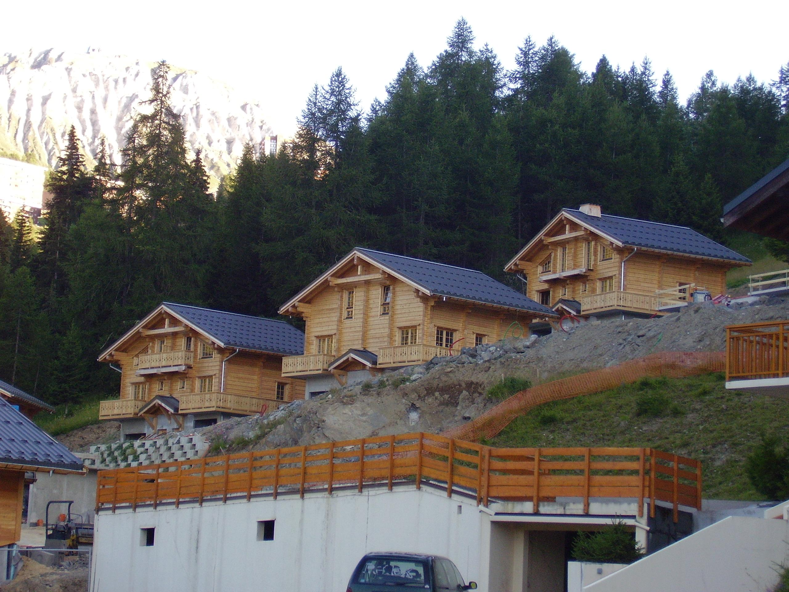 We sell timber frame houses canadian log houses for Selling a log home